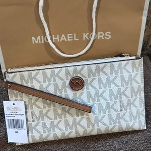 Michael Kors clutch - Brand New with Tags!